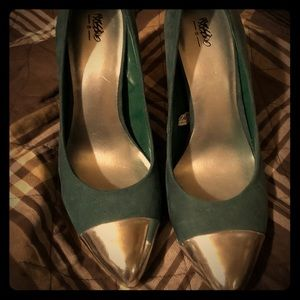Shoes - Green and silver heels